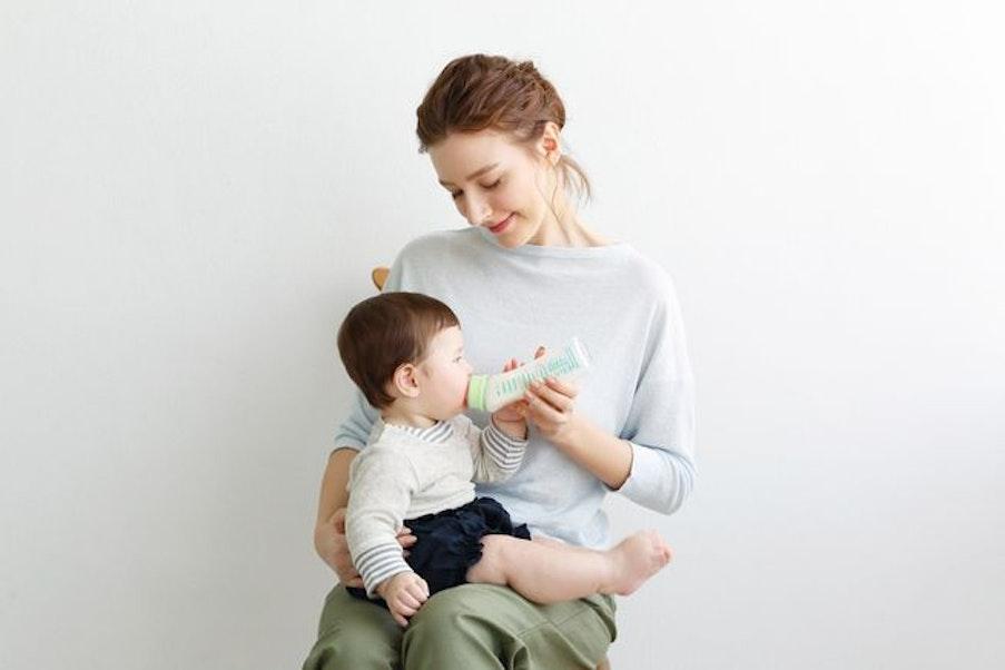 母乳と同じ授乳姿勢