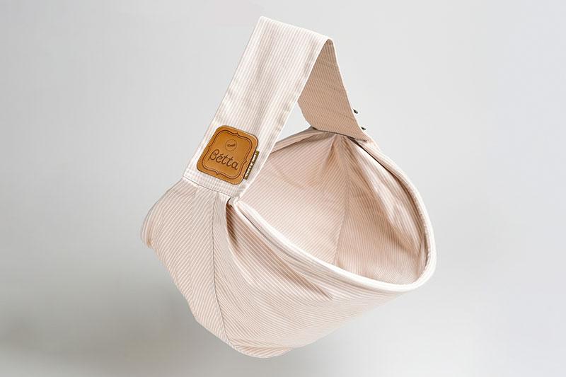 made in Japan 立体裁断で丁寧に作られた。ベッタのスリング。