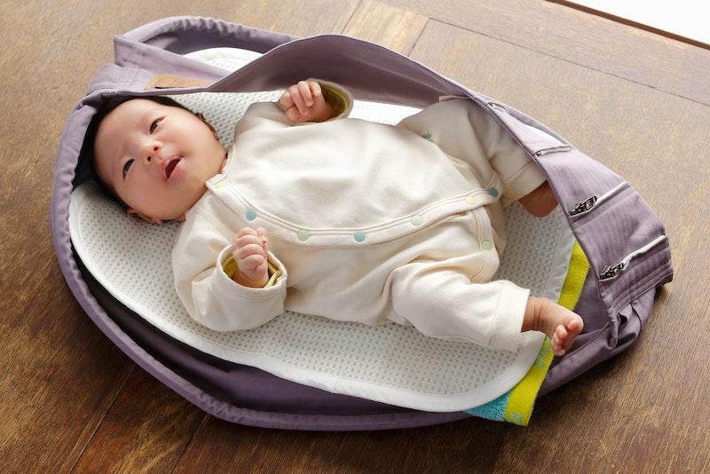 新生児から11.3kgまで使える ! 簡単に装着可能な抱っこひもは、「Betta キャリーミー ! 」